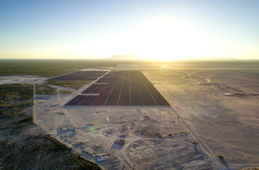 @greensofa_betd: Did you know that with 2,300,000 PV modules, Enel's Villanueva project is currently the largest solar plant in the Americas? #FridayFactCheck out the world's largest #solarpower plants by @pvmagazine#betd22 #Energiewende